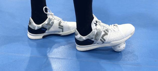 Millaiset maalivahdin salibandy kengät seuraavalle pelikaudelle kannattaa hankkia?
